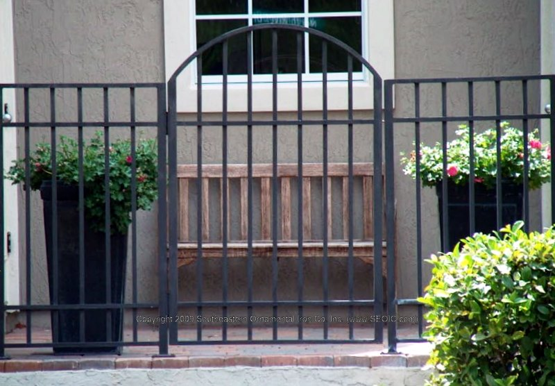 Merveilleux ... Custom House Gate (#WG 19) ...