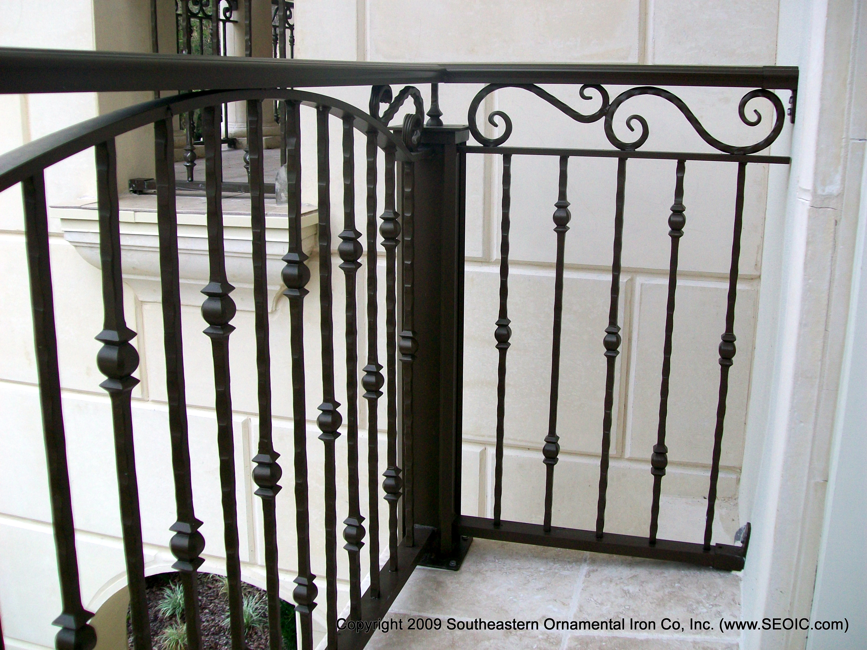 Aluminum balcony railing page