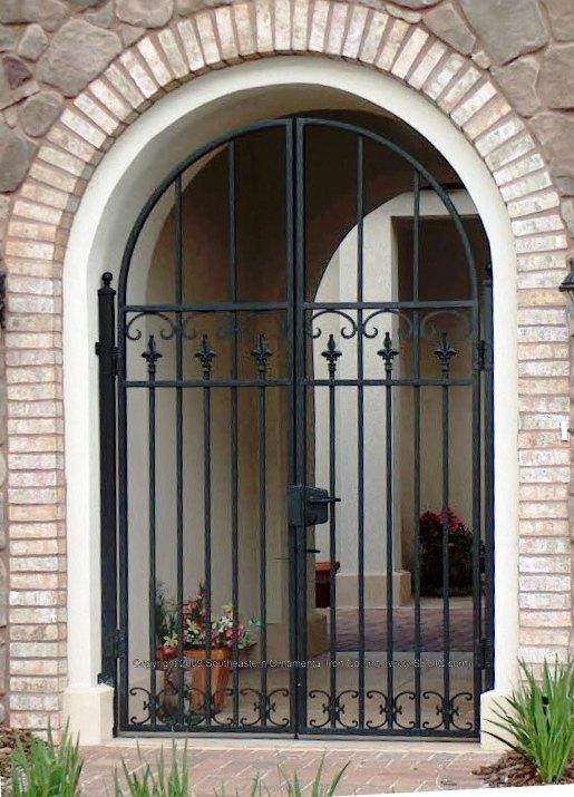 ... Custom House Gate (#WG 14) ...