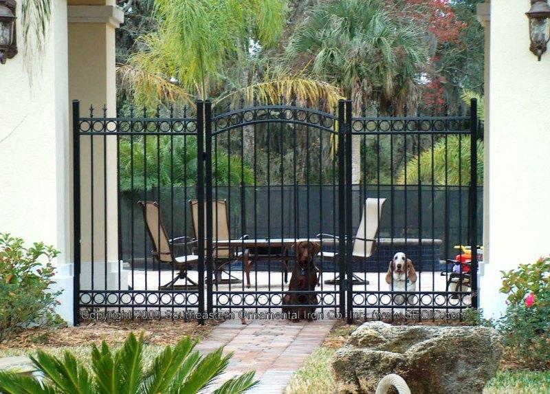Bon ... Custom House Gate (#WG 24) ...